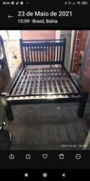 Vendo uma cama de casal madeira  angelim