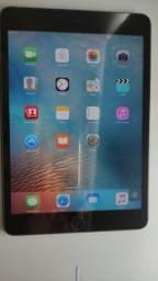 IPad mini da Apple(A1432) na cor preta 16 GB