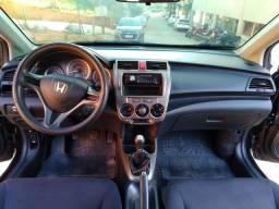 Título do anúncio: Honda City Dx 2013 Gnv 5a Ger  Mecanico