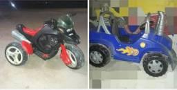 Moto elétrica e carrinho a pedalinho