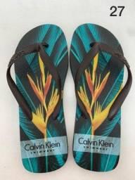Chinelo e Cuecas da Calvin Klein e Tommy