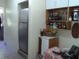 Apartamento 3 quartos, de frente, banheiro auxiliar, sacada vista Rio Guaíba, V. Assunção