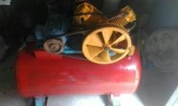 Vende-se um Compressor semi novo