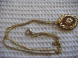 Colar e pulseira com banho de ouro e drusa de bronze entre outras ccb908061e