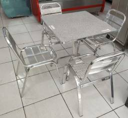 Jogo de mesa e 4 cadeiras de alumínio Novo Mostruário Frete Grátis