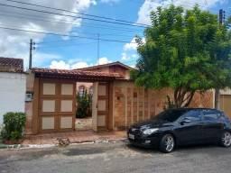 Casa de 3 Quartos, sendo 1 suite, Parque das Laranjeiras 1ª Etapa