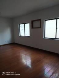 Alugo Apartamentos na Rua Cambaúba 1.483
