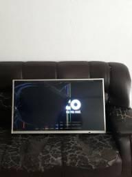 TV Philco, 40 polegadas, telq rachada