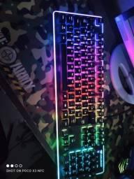 Teclado switch branco +Mousepad pra ir hj