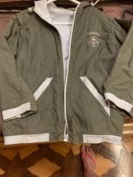 casaco estiloso forrado, pouco uso- 9-10 anos,