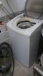 Maquina de lavar roupas - eletrolux