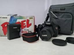 Título do anúncio: Câmera EOS Rebel T5 - Lente 18x55mm + Bolsa + Tripé