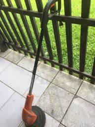 Aparador de grama a fio de nylon