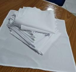 Título do anúncio: 120 Guardanapos tecido branco Novos