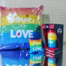 Título do anúncio: Kit Almofada Love is Love (R$49,00)