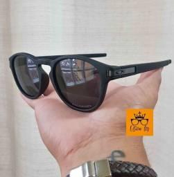 Vendo Óculos de Sol Oakley Latch Preto apenas R$69,90