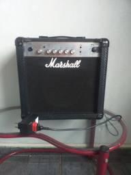 Vendo Amplificador Marshall MG15-CF