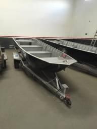 Conjunto Barco de 5 mts com carretinha novos - 2018