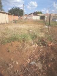 Vendo terreno no asfalto