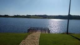 Terreno com Lago Paradisíaco