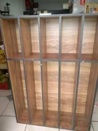 Vendo balcão madeira