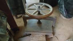 Prelo - Prensa Antiga Gigante - Volante em bronze maciço