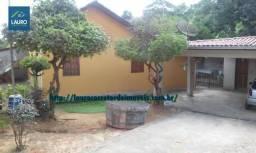 Casa com 03 qtos no Bairro Matinha