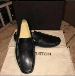 b2e3952b2e Mocassim Louis Vuitton preto