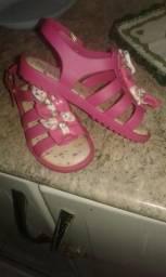 Vendo esa sandália enfantil world colors