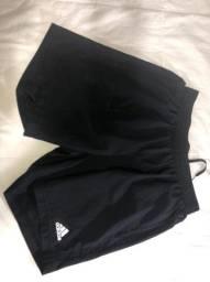 Conjunto esportivo shorts e camisetas Adidas