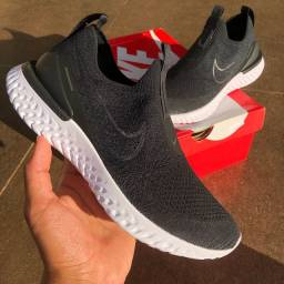 Nike Epic Phantom React Flyknit