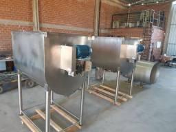 Misturador de ração  Inox  ou aço carbono 500 kg/ 1000kg / 1500kg/ 2000kg