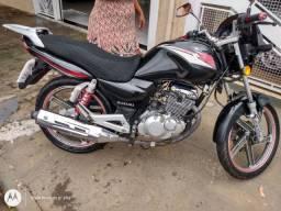 Moto Suzuki ano 2013 Compreta