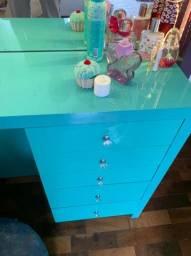 Móvel penteadeira lindo, azul turquesa, com espelho e led.