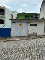 Casa e Ponto comercial em localização previlegiada!