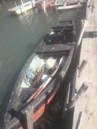Barco motor de centro