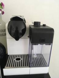 Maquina de Cafe Expresso - Nespresso Lattissima - * 220V