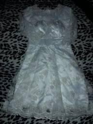 Vendo esse vestido de noiva para casamento civil . Tamanho( P )