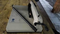 Maquina de cortar papel semi industrial