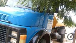 Vendo caminhão pipa