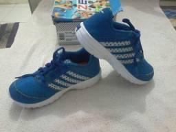 Vendo sapato tamanho 31 calca 29 30