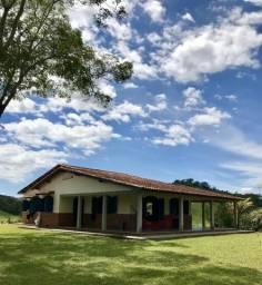 Linda casa em sítio a 9km de Resende