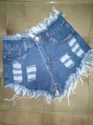Shorts jeans disponível