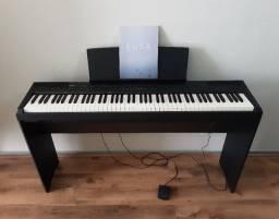 Piano digital Yamaha P105 / P-105 com estante madeira yamaha