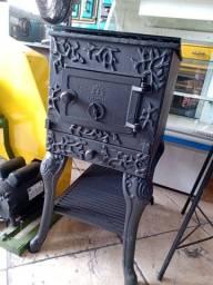 Fogão churrasqueira em ferro fundido