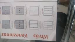 Esquadrias de alumínio e portas de madeira