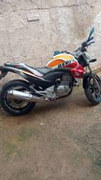Moto CB300R
