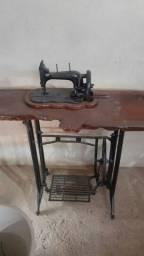 Maquina de costura antiga para decoração