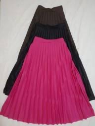 Roupa feminina (saia plissada)