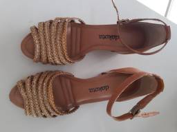 Título do anúncio: Vendo sandália Dakota n° 38